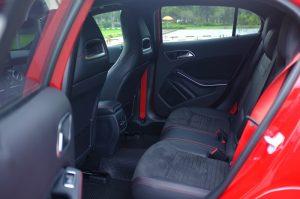 xe-mercedes-gla-250-4matic-amg-2015-gla-class-gia-tot-nhat-mau-do-nhap-khau-9-mercedescu.com