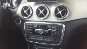 Mercedes-Benz-CLA-200-2015-001