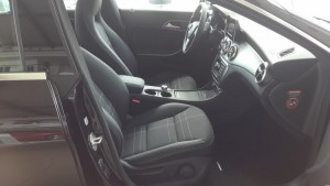 Mercedes-Benz-CLA-200-2015-002