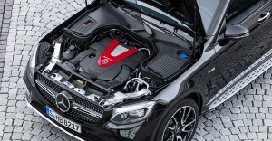 AMG GLC 43 4MATIC Coupé; Outdoor; 2016 Exterieur: Obsidianschwarz; V6 Bituromotor, 270 kW (367 PS) 520 Nm Kraftstoffverbrauch kombiniert: 8,4 l/100 km, CO2-Emissionen kombiniert: 192 g/km exterior: obsidian black; V6 bituro engine, 270 kW (367 PS) 520 Nm Fuel consumption, combined: 8.4 l/100 km, CO2 emissions, combined: 192 g/km