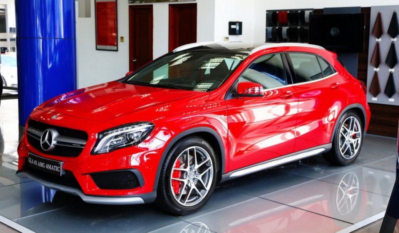 Mercedes-Benz-GLA45-AMG-10