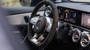giá xe mercedes cla45 amg 2020